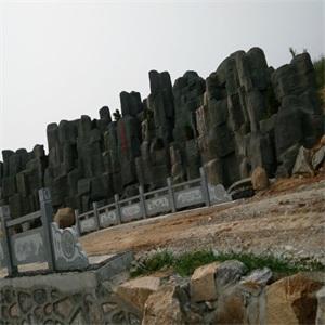 卧龙山文化陵园